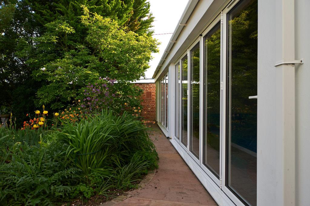 aluminium bi-folding doors Chelmsford
